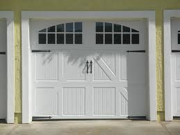 carriage_house_garage_door-install-whitefish-bay-wi