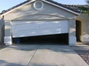 repair-garage-door-off-tracks-pewaukee-wi