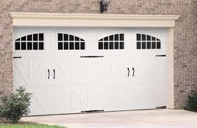 residential-garage-door-carriage-installation-south-milwaukee-wi